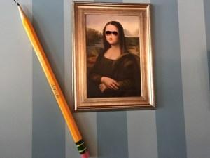 Mona pencil