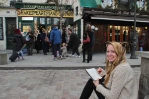 Candace Rose Rardon sketching in Paris