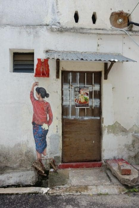 Ernest Zacharevic, The amazing, creative and interactive street art of Georgetown, Penang, Malaysia, motorbike, basketball, kids on bike, rower man, chinese houses, art, wire, culture, history, map, where to see the street art of Penang, where to go in Penang, things to do in Penang, things to see, Armenia street, Street art Penang, guide, locations