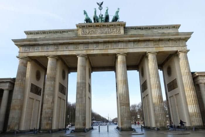 Backpacking Berlin: Awesome things to do in Berlin on a budget, things to do in Berlin, what to do in Berlin, guide to Berlin, Berlin tips, Berlin on a budget, Reichstag dome, Reichstag dome free, Reichstag dome tour, How to visit the Reichstag, Brandenburg Gate, Brandenburger tor, East Side Gallery, Berlin Wall, Berlin Wall gallery, Potsdamer Platz, memorial to the murdered Jews of Europe, Photoautomaten, Fotoautomat machines, Currywurst, vegan Currywurst, vegan Currywurst Berlin, vegetarian Currywurst Berlin, Checkpoint Charlie, Checkpoint Charlie passport stamps, Russian, Germany, English, French, Museum Island, Topography of Terror museum, SS headquarters, Gestapo headquarters, Alexanderplatz, berlin attractions, Berlin sightseeing, What to see in Berlin, Berlin tourist attractions, top things to do in Berlin, Berlin sights,