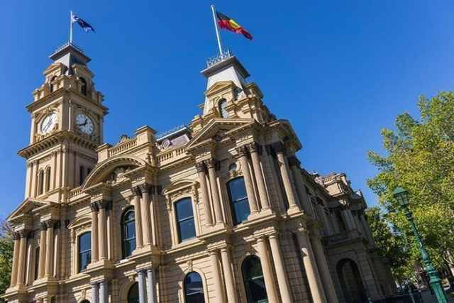 Bendigo, gold rush, boom town, victoria, victorian gold rush, architecture, The most incredible day trips to take from Melbourne, Australia, Melbourne day trips, Things to see around Melbourne, what to do outside of Melbourne, things to do in Victoria, Victoria outside of Melbourne, things to do outside melbourne, melbourne day tours, melbourne day trips, melbourne activities, Melbourne weekend trip, visit melbourne, day trips from melbourne, Geelong, Great Ocean Road, Mornington Peninsular, Bendigo, Grampians, day trip ideas, public transport, day tours from melbourne, Brighton, Brighton beach boxes, St. Kilda, Luna Park, Penguins, Penguins Melbourne, Melbourne to Bendigo, Melbourne to Geelong, torquay, beaches near Melbourne, Bells beach, surfing near Melbourne, best beaches near Melbourne, day trip Great Ocean Road, things to do in Melbourne, Melbourne highlights, things to do in Geelong, things to do in Bendigo, places to see in the Grampians, places to see on Great Ocean Road,