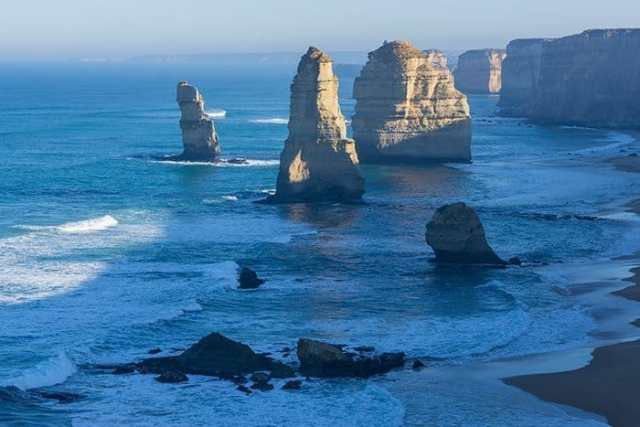 12 Apostels, The most incredible day trips to take from Melbourne, Australia, Melbourne day trips, Things to see around Melbourne, what to do outside of Melbourne, things to do in Victoria, Victoria outside of Melbourne, things to do outside melbourne, melbourne day tours, melbourne day trips, melbourne activities, Melbourne weekend trip, visit melbourne, day trips from melbourne, Geelong, Great Ocean Road, Mornington Peninsular, Bendigo, Grampians, day trip ideas, public transport, day tours from melbourne, Brighton, Brighton beach boxes, St. Kilda, Luna Park, Penguins, Penguins Melbourne, Melbourne to Bendigo, Melbourne to Geelong, torquay, beaches near Melbourne, Bells beach, surfing near Melbourne, best beaches near Melbourne, day trip Great Ocean Road, things to do in Melbourne, Melbourne highlights, things to do in Geelong, things to do in Bendigo, places to see in the Grampians, places to see on Great Ocean Road,