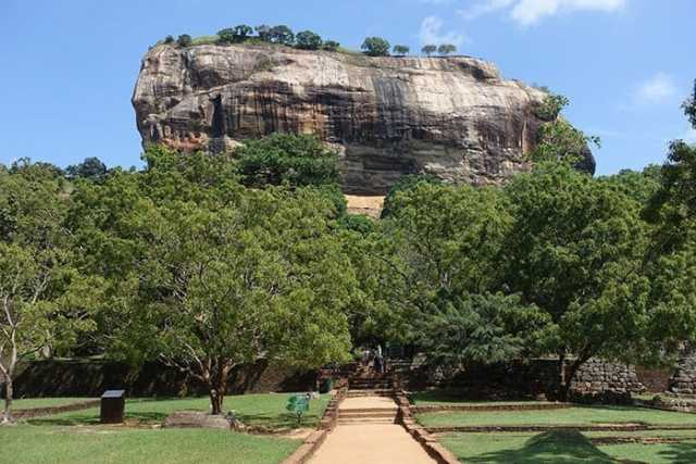 Sigiriya, Sigiriya sri lanka, Sigiriya rock, Sigiriya lion rock, Sigiriya rock fortress, Sigiriya rock sri lanka, sigiriya rock fortress sri lanka, Lion Rock, Lion Rock Sri Lanka, Sigiriya lion rock fortress, Colombo to Sigiriya, Ella to Sigiriya, Sigiriya price, Sigiriya expensive, is Sigiriya worth the money, places to visit in Sigiriya, Sigiriya tour, trip to Sigiriya, Sigiriya entrance fee, tours from Kandy to Sigiriya, Sigiriya day trip from Kandy, Dambulla to Sigiriya, Sigiriya to Kandy, Pidurangala rock, Sigiriya from Pidurangala rock, Sigiriya alternative, Sigiriya free, Sigiriya travel guide, Sigiriya tour, Sri Lanka, Sri Lanka travel guide, best places to visit in Sri Lanka, UNESCO, UNESCO sites in Sri Lanka, Sri Lanka backpacking, Sri Lanka on a budget,
