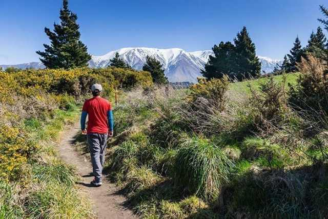 The incredible Rakaia Gorge hike, the best day trip from Christchurch, New Zealand!