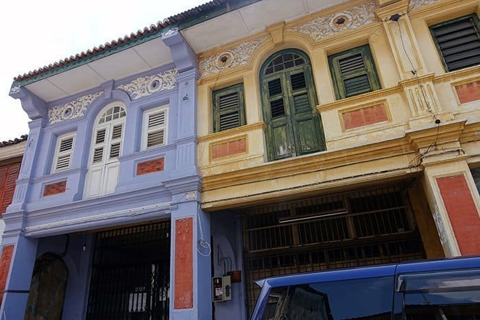 Penang Itinerary: What to do in Penang in 3 days. A Guide to this Beautiful & Historic Town in Malaysia: George Town, chinese shop fronts, wire sculpture, street art, architecture, colonial,