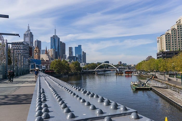Melbourne 5 day itinerary: best places to visit in Melbourne. View of the Yarra River and Melbourne Skyline