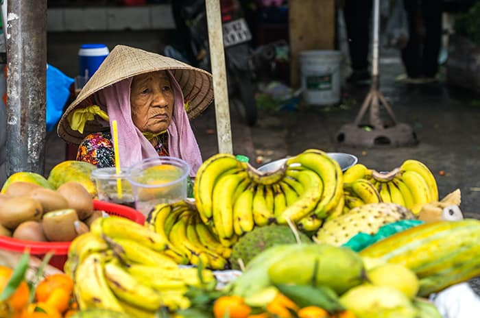 Fruit seller in Hanoi. 3 weeks in Vietnam, Vietnam itinerary: 3 weeks, 3 week Vietnam itinerary