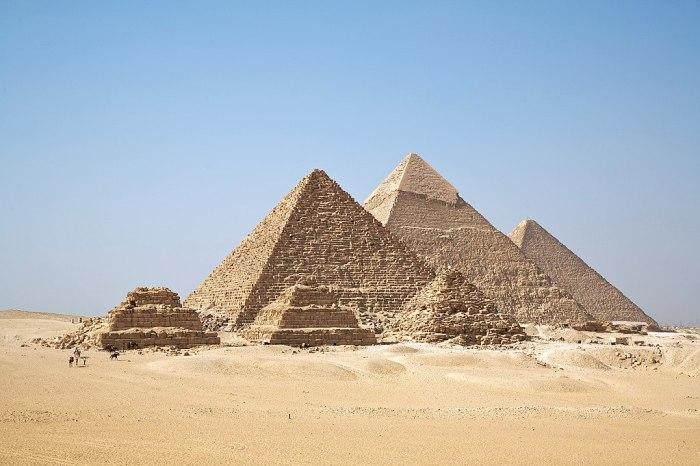 1024px-All_Gizah_Pyramids