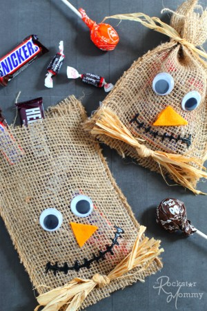 Scarecrow Halloween Goodie Bags - The Rockstar Mommy