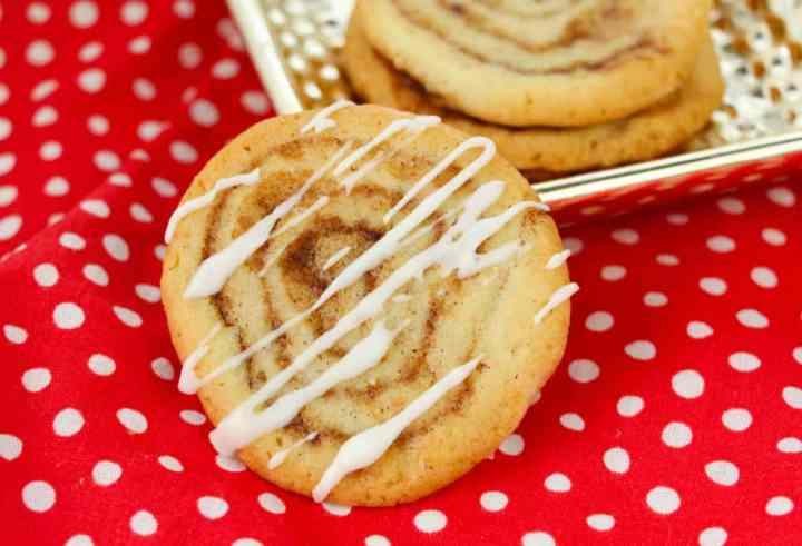 Cinnamon Bun Cookies recipe - The Rockstar Mommy