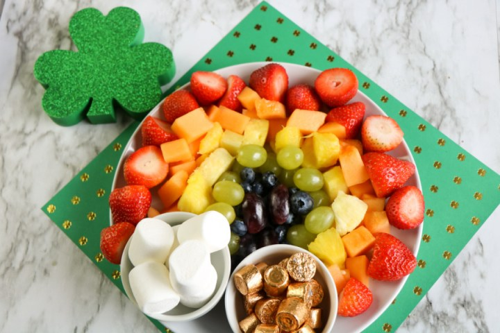 St Patrick Day Fruit Platter on a green placemat