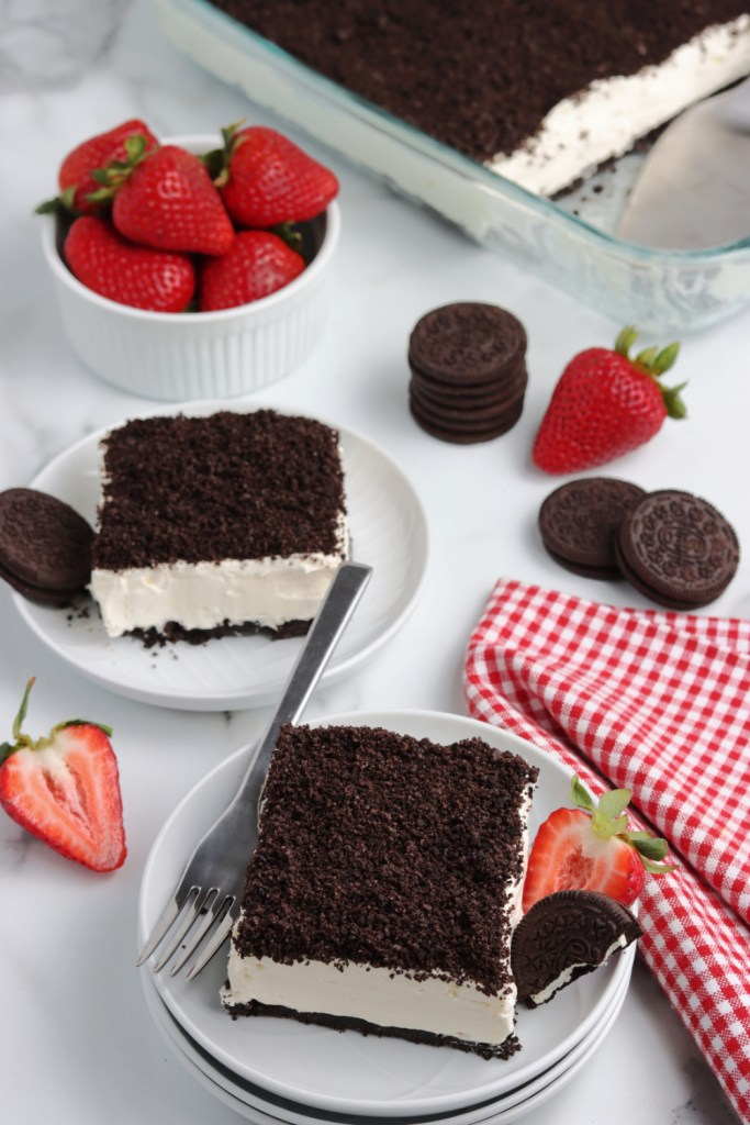 2 pieces of oreo dirt cake