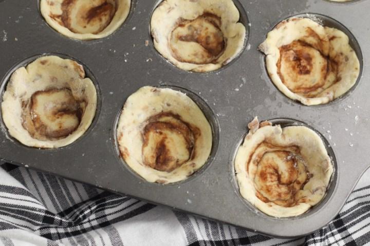 cinnamon rolls in muffin tin