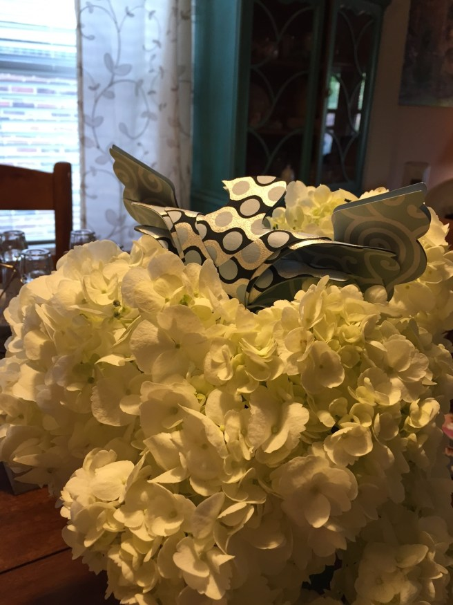 Weeslees Hydrangea Centerpiece | The Rose Table