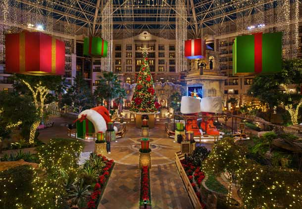 Gaylord Texan | The Rose Table