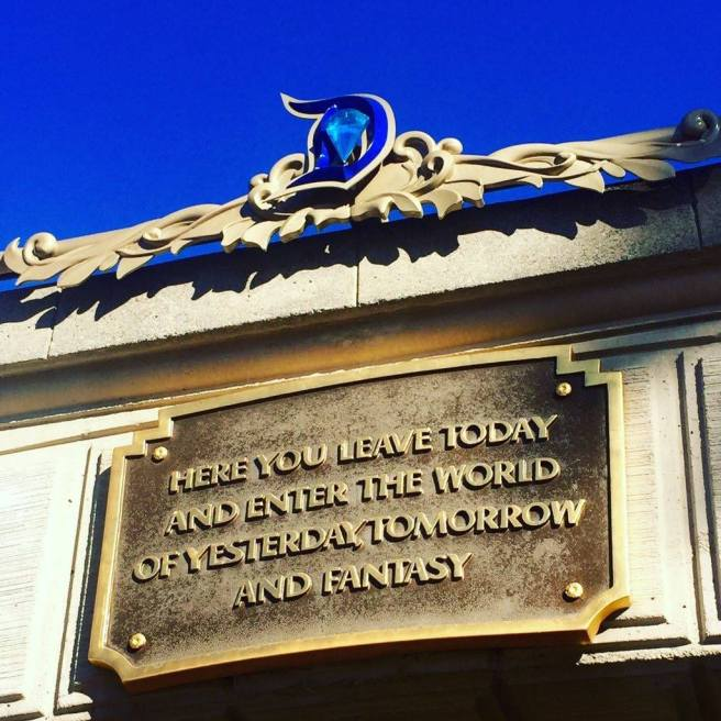 Disneyland 60 Vacation Travel Tips | The Rose Table