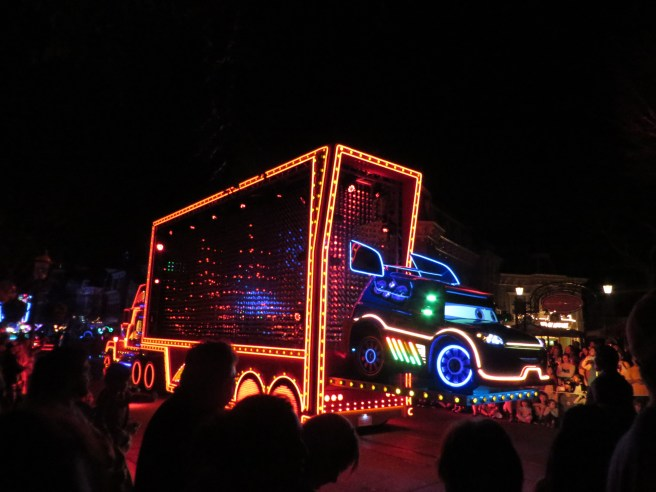 Paint the Night Parade Disneyland 60 Vacation | The Rose Table