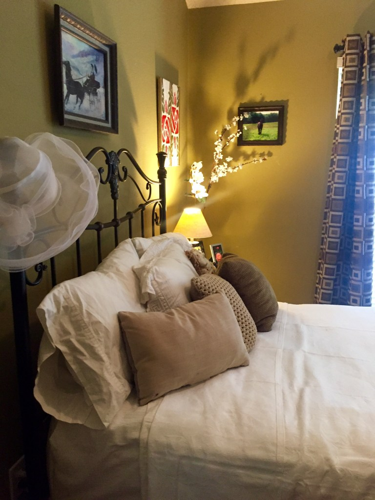 The Guest Room | The Rose Table