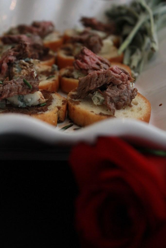 Flank Steak and Gorgonzola Crostini | The Rose Table