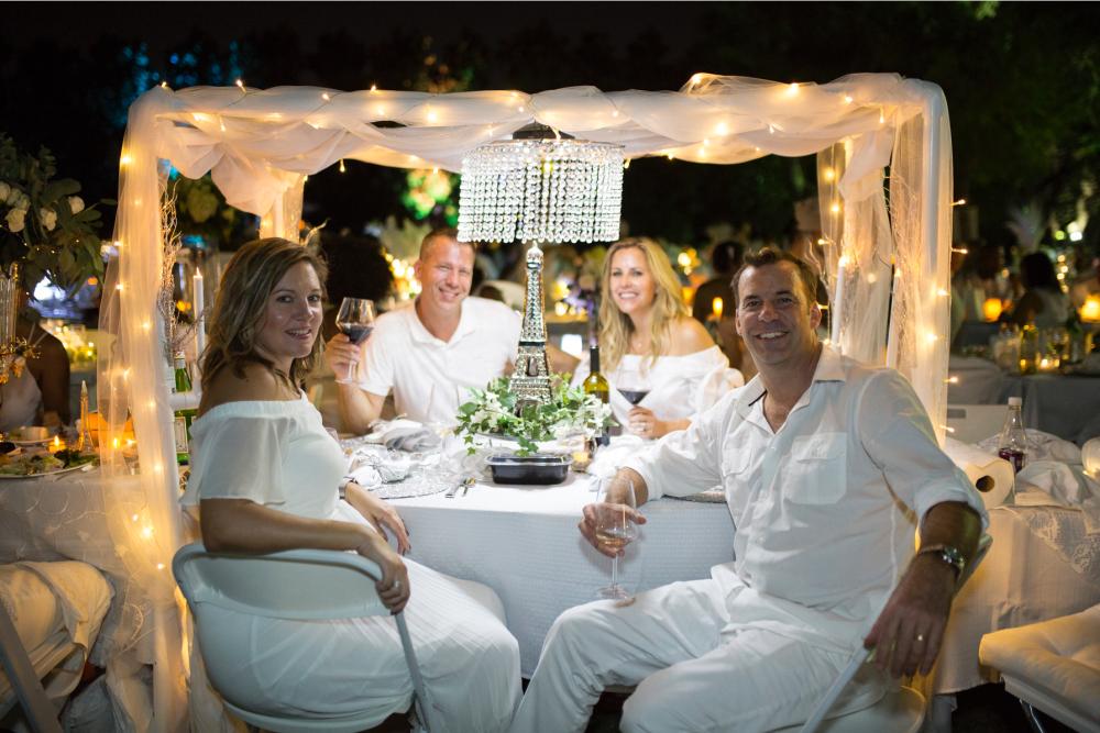 The Rose Table Diner en Blanc Dallas 2017