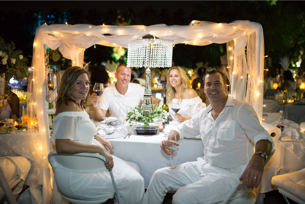 The Rose Table Diner en Blanc Dallas 2017