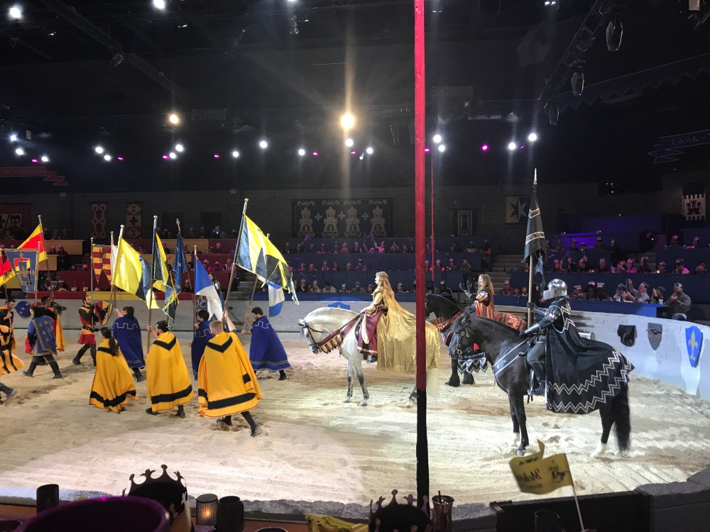 Medieval Times Dallas Review   The Rose Table