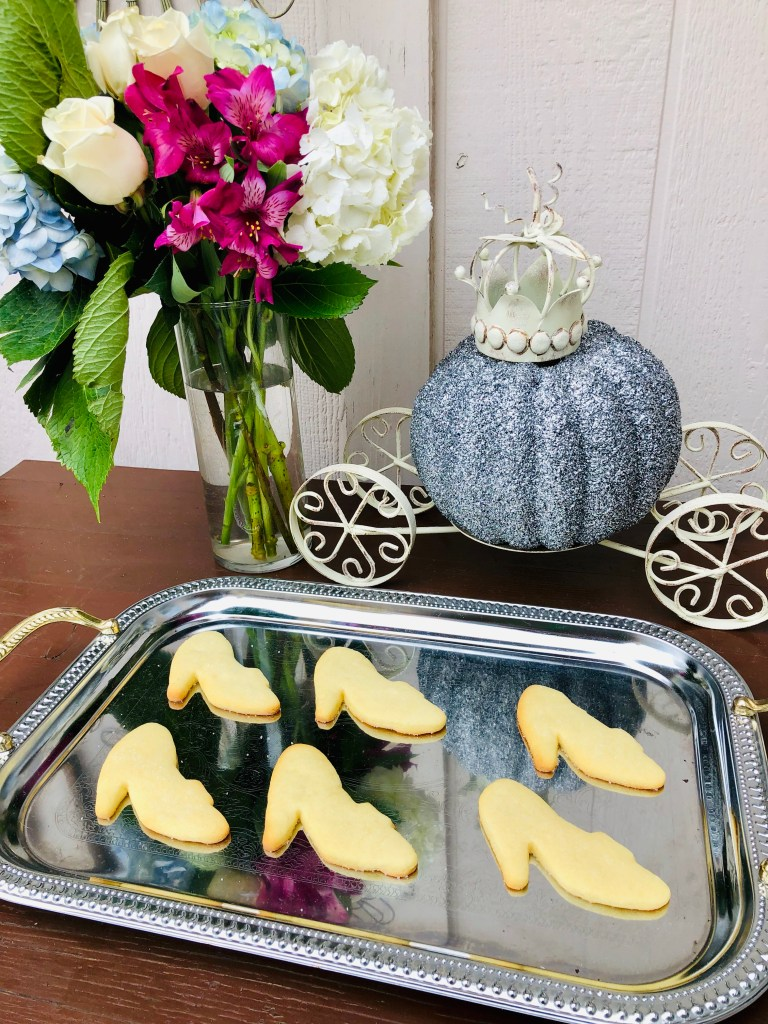 Glass Slipper Cookies | The Rose Table