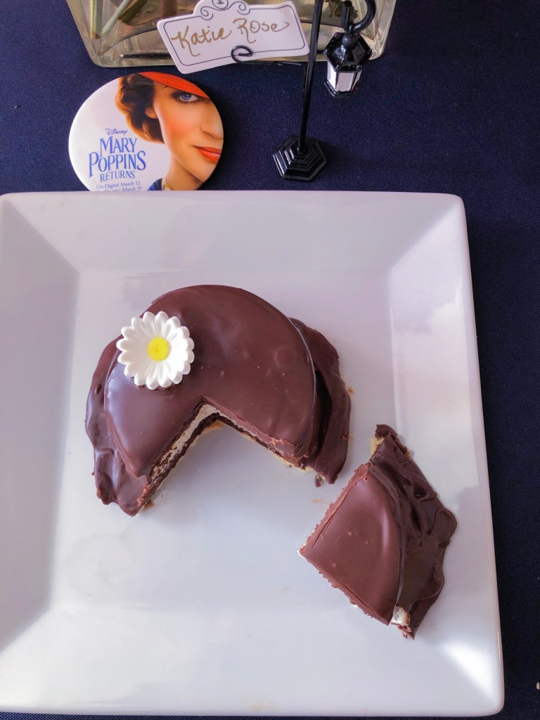 Mini Mary Poppins Hat Cakes Disney Dessert | The Rose Table