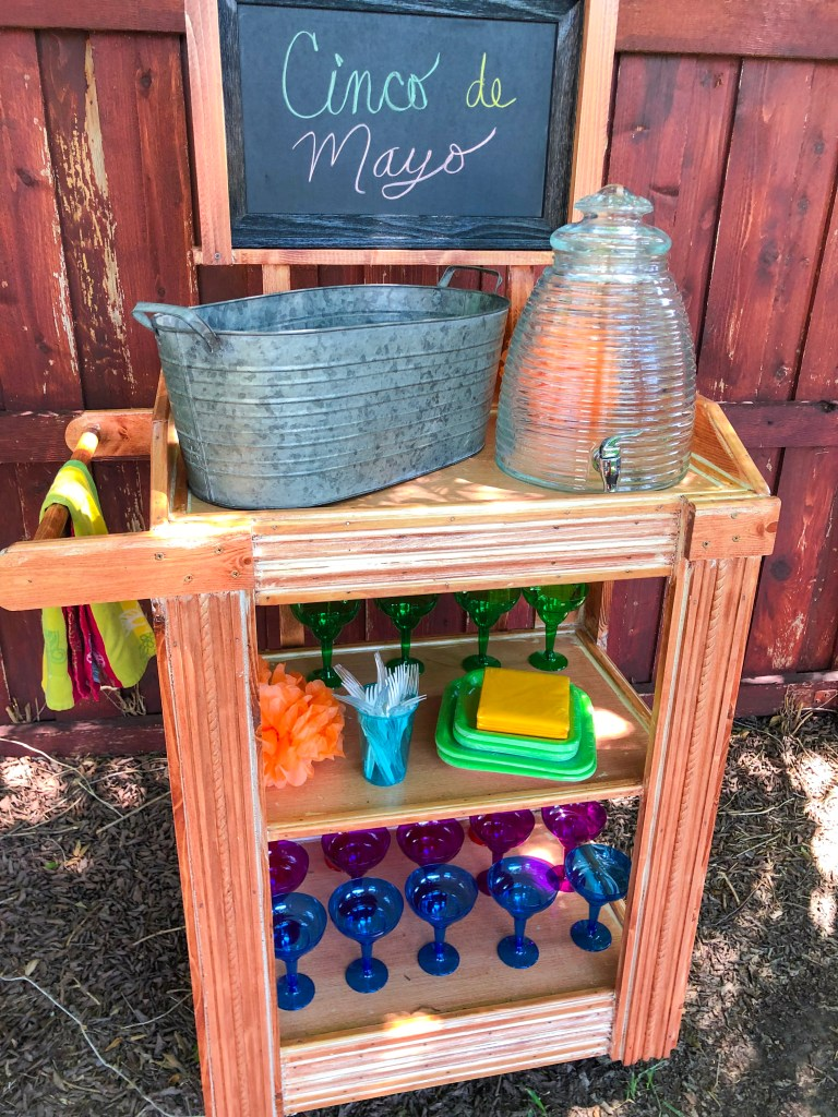 Cinco de Mayo party ideas | The Rose table