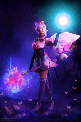 As Elementalist Lux in Mystic Form, League of Legends. Photo by Jio Verona.