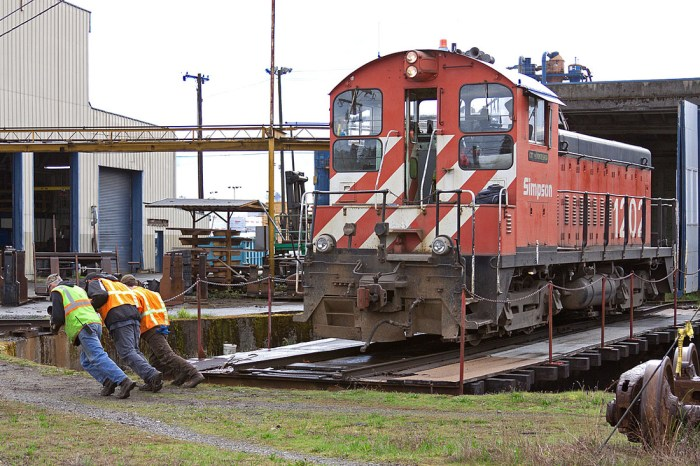 Armstrong turntable Simpson Railroad, Shelton WA.  Photo by Joel Hawthorn.