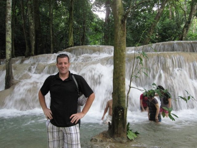 SAI Waterfall - Laos travel