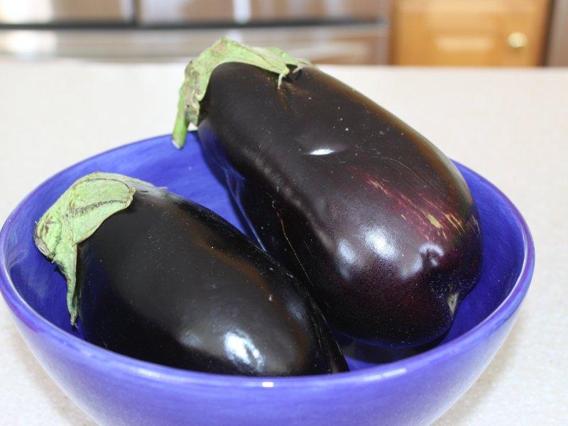 Baba ganoush recipe - fresh eggplants/aubergines