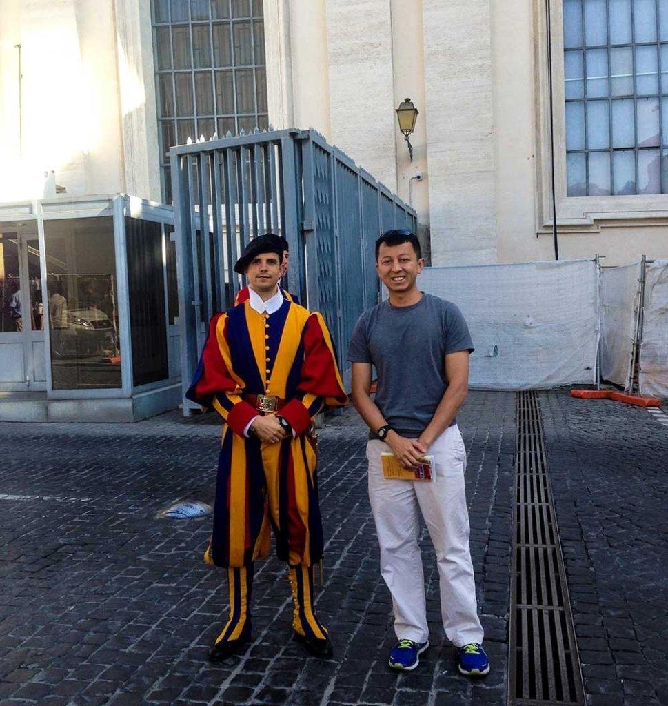 Vatican City Scavi Tour - Swiss Guard photo-op before my Scavi Tour!
