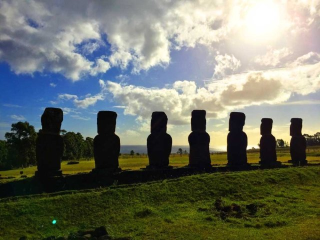 Highlights of Easter Island - Ahu Ahiki moais