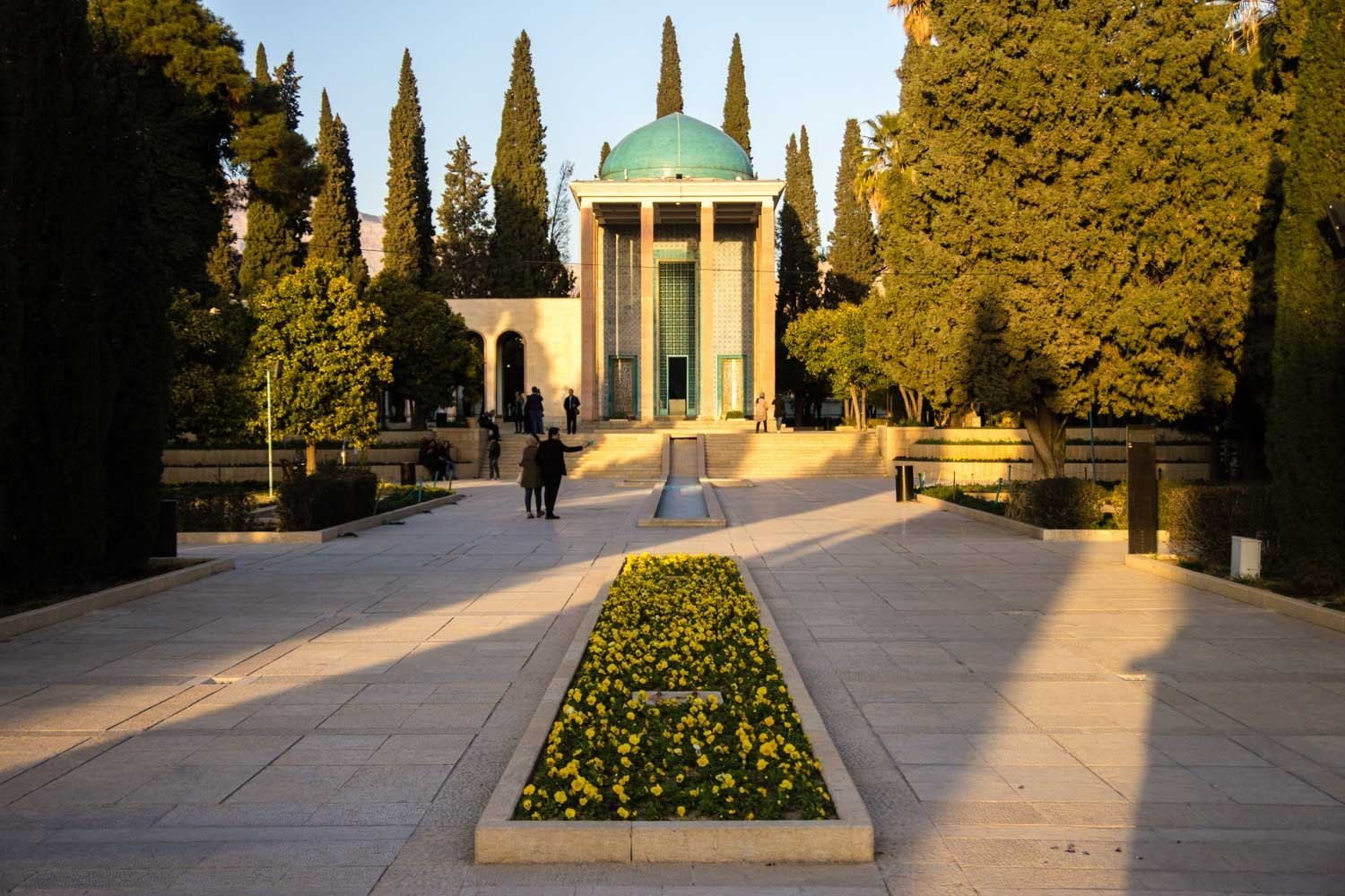 Things to see in Shiraz - Tomb of Saadi