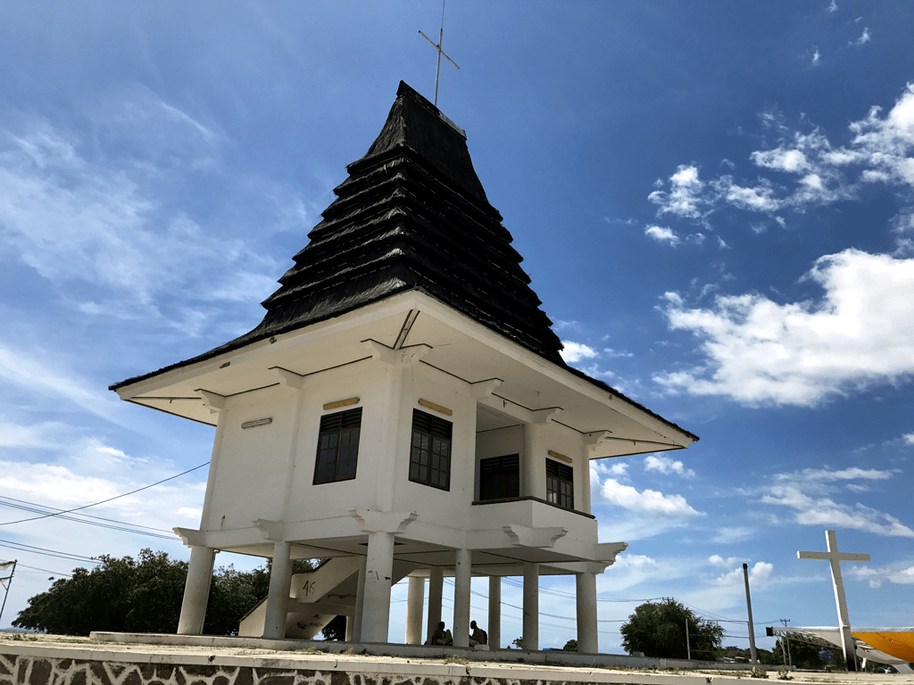 things to do in Dili - Tasitolu Altar in Timorese architecture