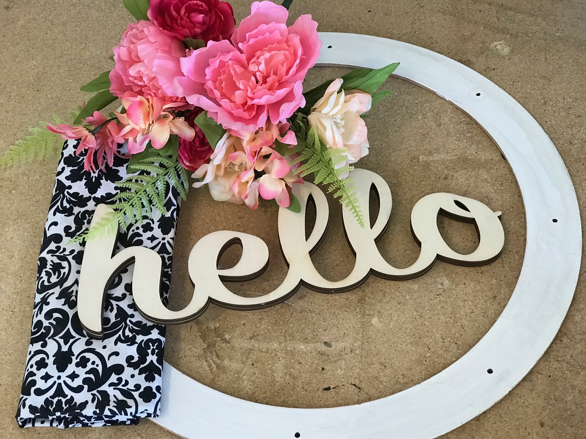 Quick and Easy HELLO Wreath supplies