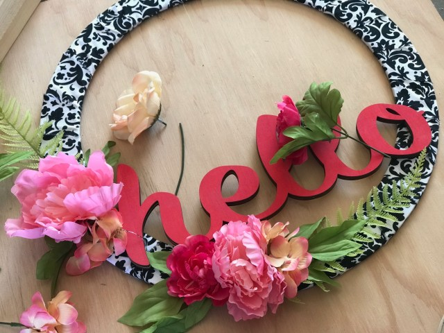 Quick and Easy HELLO Wreath gluing flowers