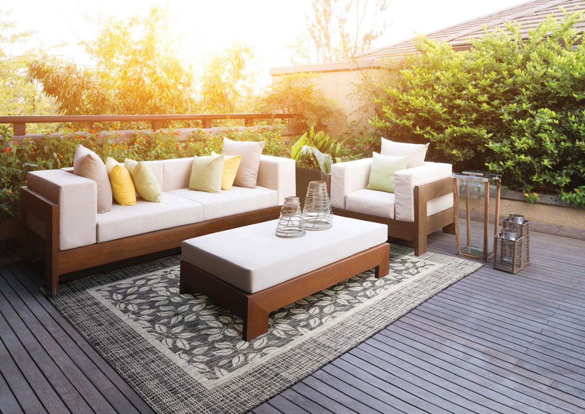 Outdoor Rugs Are Safe To Use On Wooden Decks