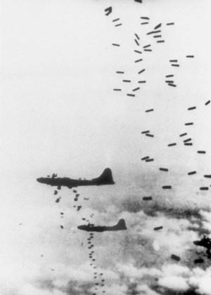 Firebombing Tokyo 1945