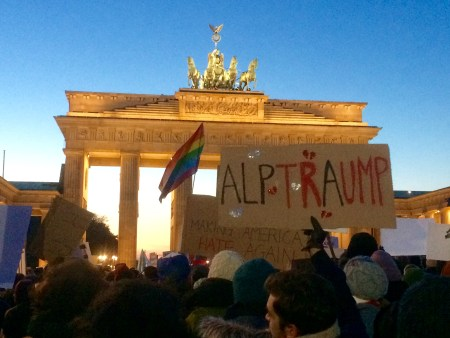 trump-protest-berlin