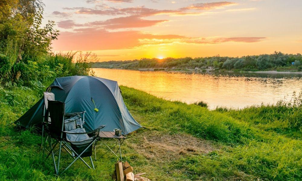 Tent on lake