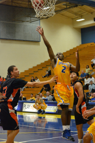 'Runner basketball destroys Occidental in 41-point exhibition blowout