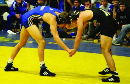 'Runner wrestling wins first tri-meet of the season