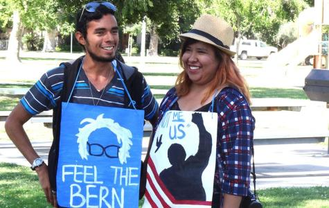 Local college students gather in support of Sanders