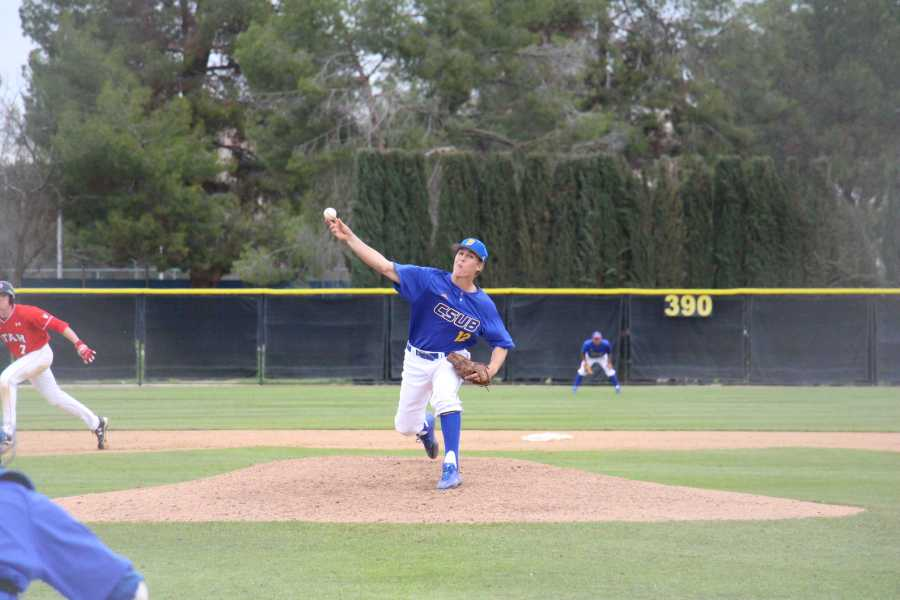 CSUB looks to bounce back after going 19-37 last season. Photo by Peter Castillo/The Runner