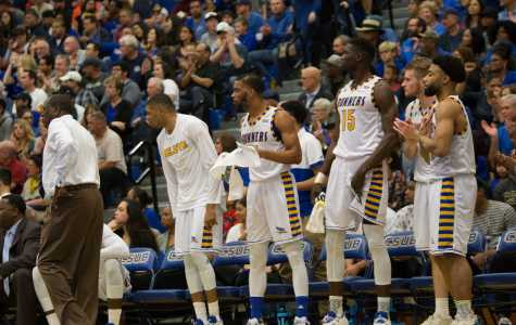 Roadrunners roll past Vaqueros, move into first place in WAC