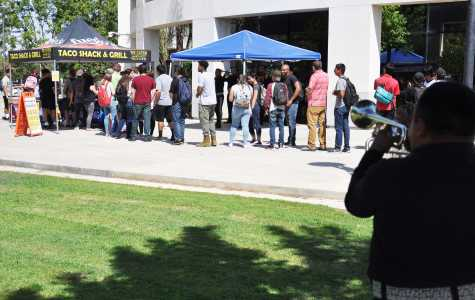 Photo by Jarad Mann/The Runner. Hispanic Heritage month on the CSUB Campus starts with Free Tacos and Live Music for CSUB students on the student union patio on Friday September 15, 2017.