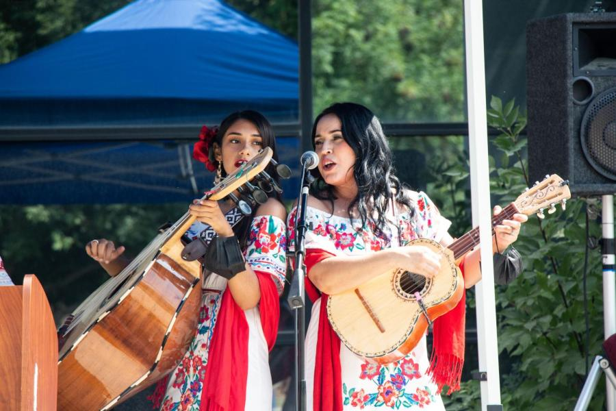 Las Calliope preforming at the Latinx Heritage Month Kick-off at California State University Bakersfield. Wednesday, September 15, 2021. view full gallery at: https://therunneronline.com/29702/photography/latinx-kickoff/